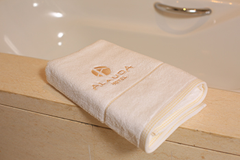 Wholesale high quilty pure cotton hotel towel with factory price