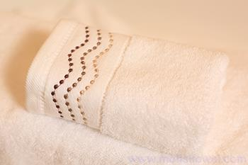 Plain white high quality gift towels with new custom design