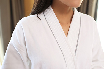 100% cotton white velour bathrobe factory hotel bathrobe supplier