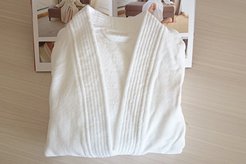 Pure white customzed velvet kids spa bathrobe uk, hotel bathrobes wholesale