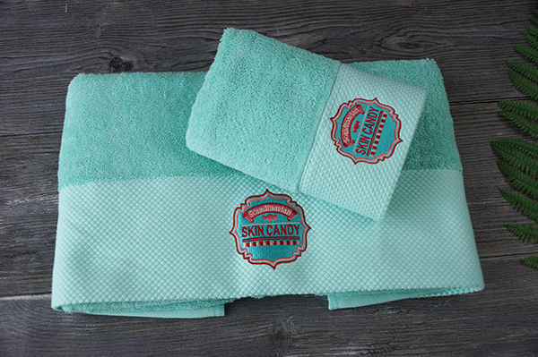 Wholesale 100% cotton towel suit custom logo for gift towel