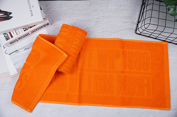 Dyed color embossed towel smart,custom logo 500gsm jacquard