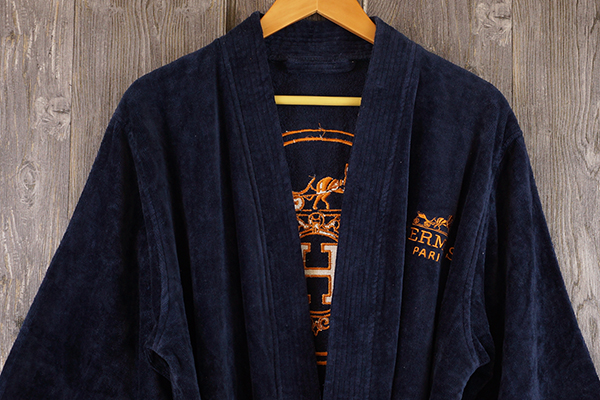 Luxury gift bathrobe velour with Back of robes embroidery logo