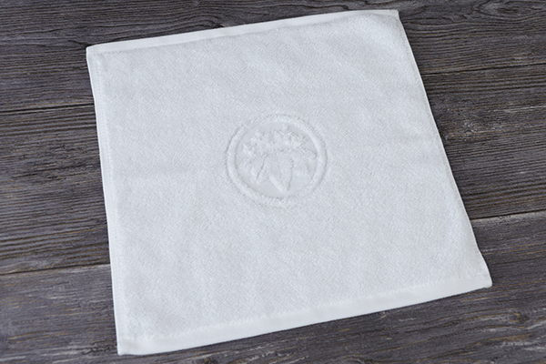 Very small face towel,promotional cheap price hotel towel