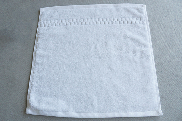 Wholesale towel face towel,jacquard pattern hotel towel supplier
