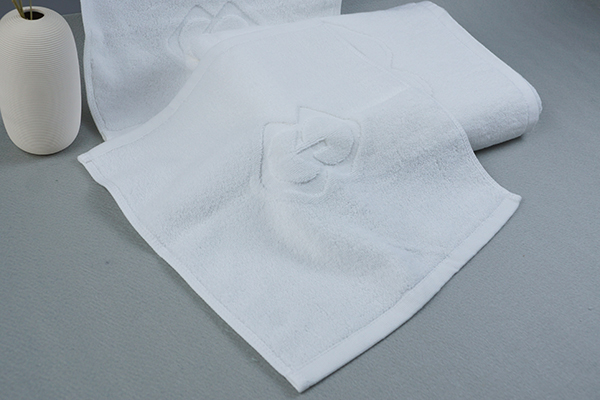 Custom Jacquard Logo Face Towel 100 Cottom Fabric Terry Towel
