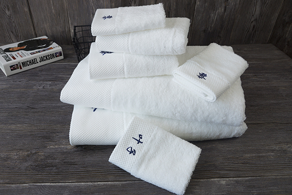 Wholesale bathroom shower towel 3 piece cotton white color towel