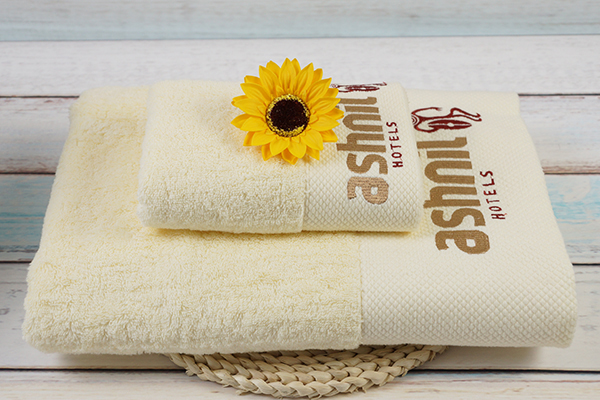 Bath towel jacquard /embroidery design, beige and brown towel
