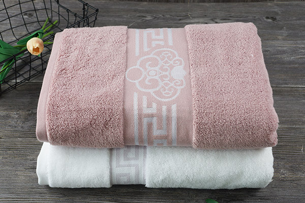 Wholesale 100% Cotton Bath Towels, Dobby Style with Logo