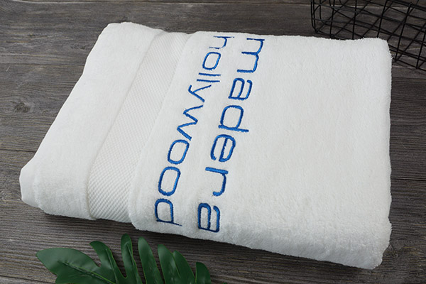 Wholesale Terry Bath Towels with Customized Embroidery Logo