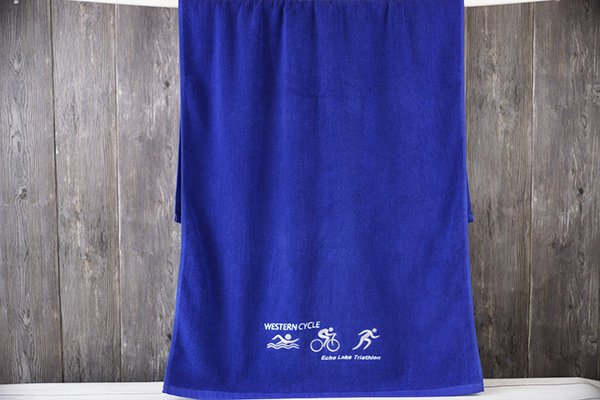 China OEM embroidery logo blue  bath towel 100% cotton custom