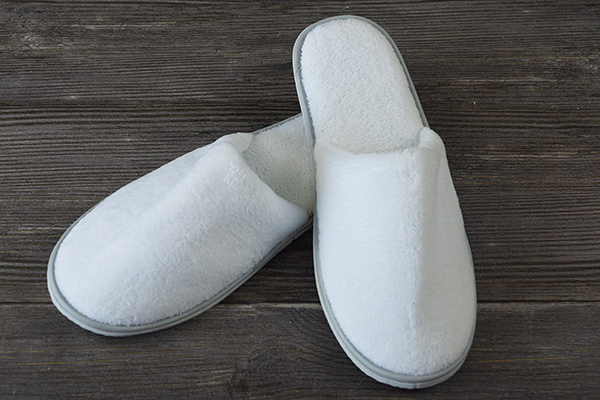 Cheap White Hotel Slipper for Men Women Disposable Plain Slipper