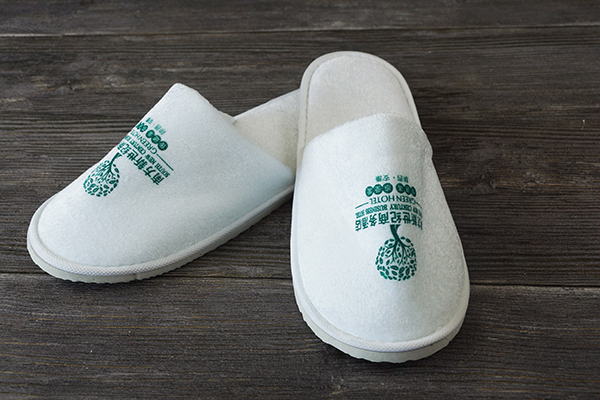 Custom Printed Logo Disposable Bath Slippers for Hotel Amenities