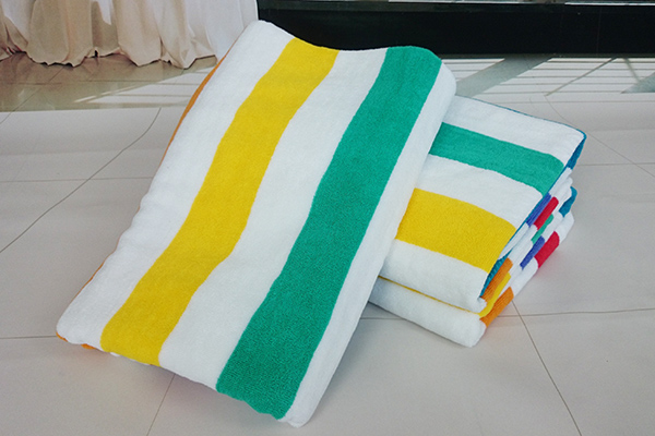 Hot Sale 100% Cotton Colorful Stripe Terry Pool Beach Bath Towel