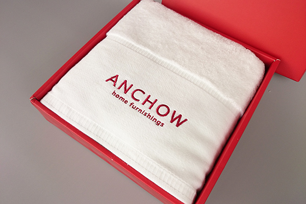 China towel supply 100% cotton embroidery promotional personalised hand towels for business