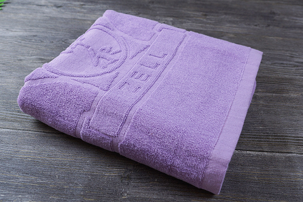 High quality custom logo adult creative bath towels for gifts