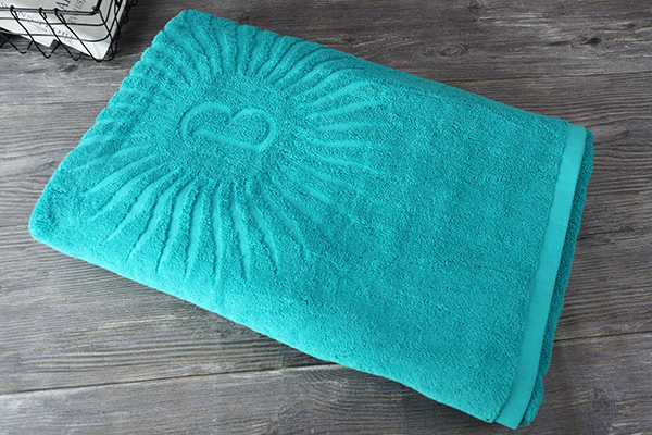Wholesale luxury 100% Cotton bath Towel For Gifts