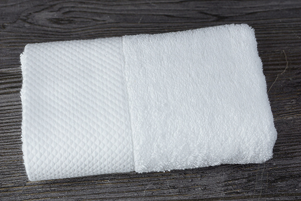 Wholesale cheap 100% cotton dobby white hotel hand towel